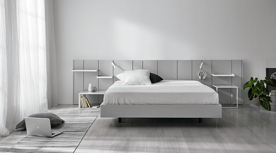 La cama esel elemento principal en dormitorio moderno